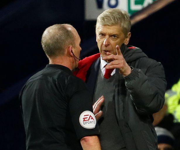 Арсен Венгер против судей Премьер-Лиги
